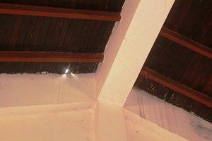 El personal docente le solicitó al gerente local la reparación del techo