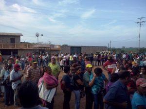 Los Alcaravanes también fue beneficiado con el mercado a cielo abierto