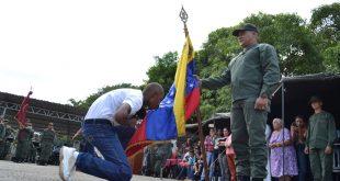 """Aspirantes del VI Curso del Centro de Formación de Tropa Profesional del estado Guárico, participaron en el acto de """"Reverencia a la Bandera"""""""