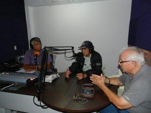 Durante el programa radial (1)