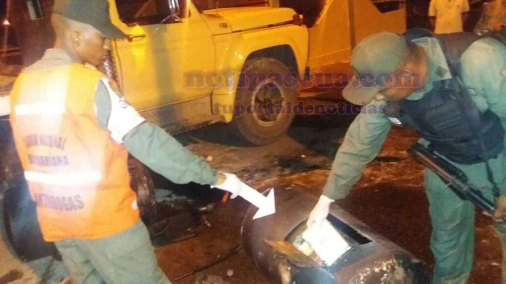 en-ambos-tanques-llevaban-mas-de-117-kilos-de-presunta-cocaina
