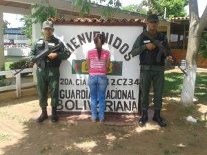 mujer-solicitada-detenida-en-punto-de-control-de-la-gnb