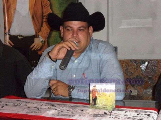 carlos-rondon-jr-presento-su-nueva-produccion-discografica