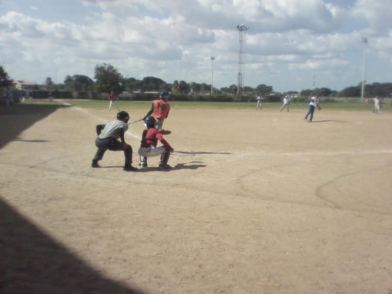 en-la-caimanera-navidena-participaron-nuevas-y-viejas-glorias-del-beisbol-local