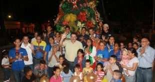 En la plaza bolívar se realizó el tradicional encendido de luces