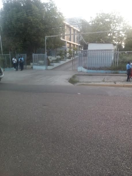Poca afluencia en las escuelas de Infante