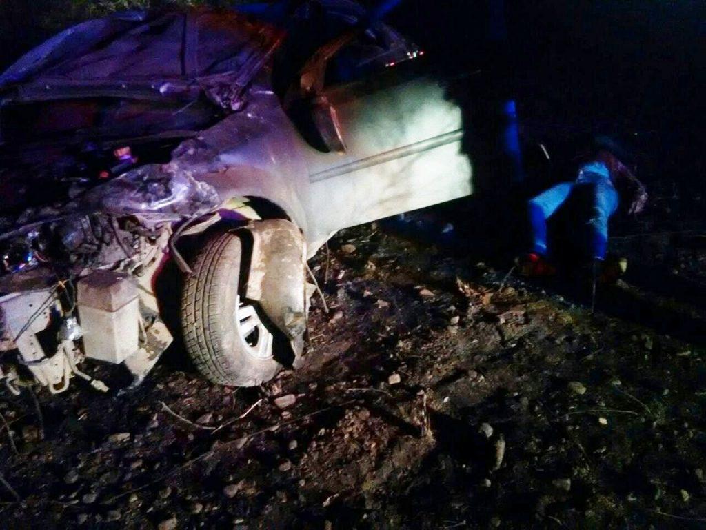 el vehículo optra quedo destrozado en el vuelco.