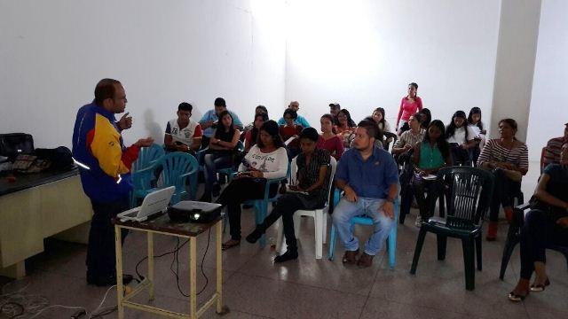 primer taller de fotografía móvil en valle de la pascua