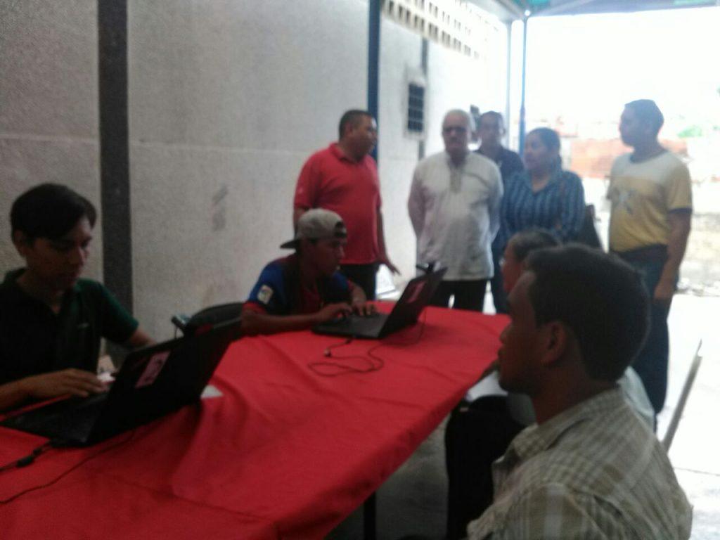 El diputado a la Asamblea Nacional por el PSUV General Roger Cordero Lara estuvo presente en el proceso de carnetización