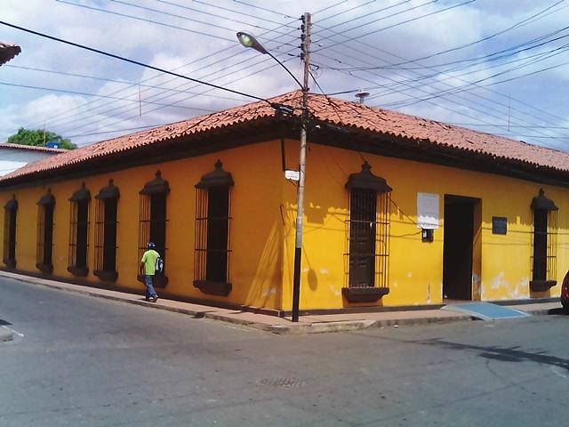 """Fachada Casa de la Cultura """"Dr. Luis Acosta Rodríguez"""""""