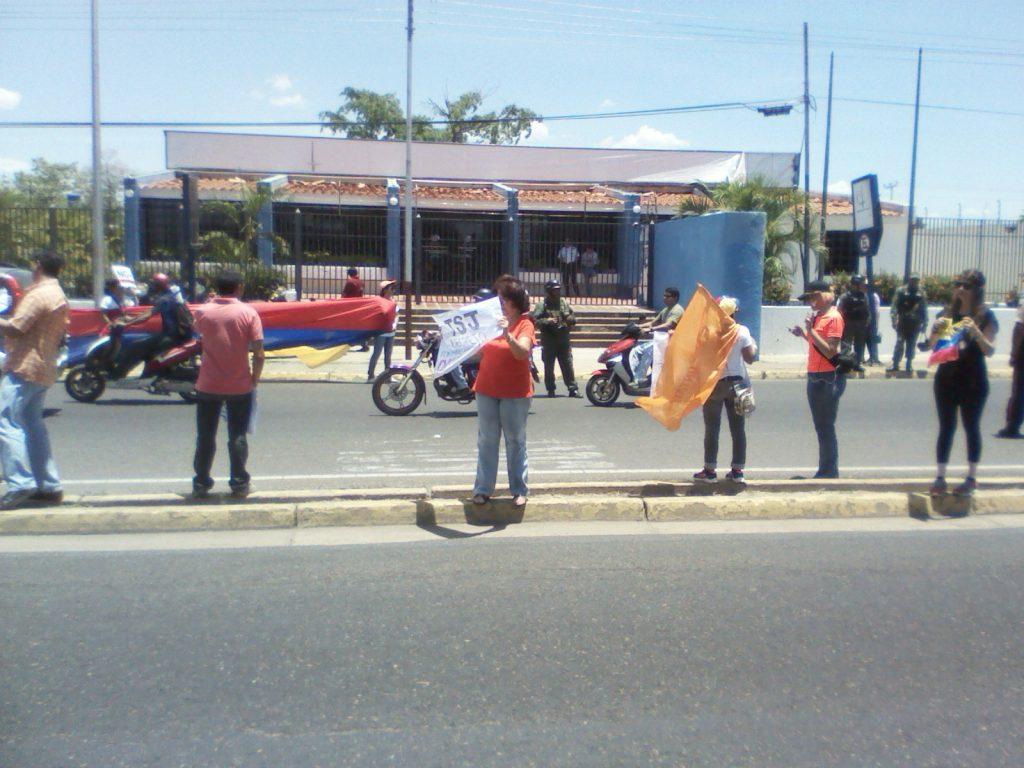 Las acciones de protesta iniciaron a las 11:00 de la mañana de este viernes