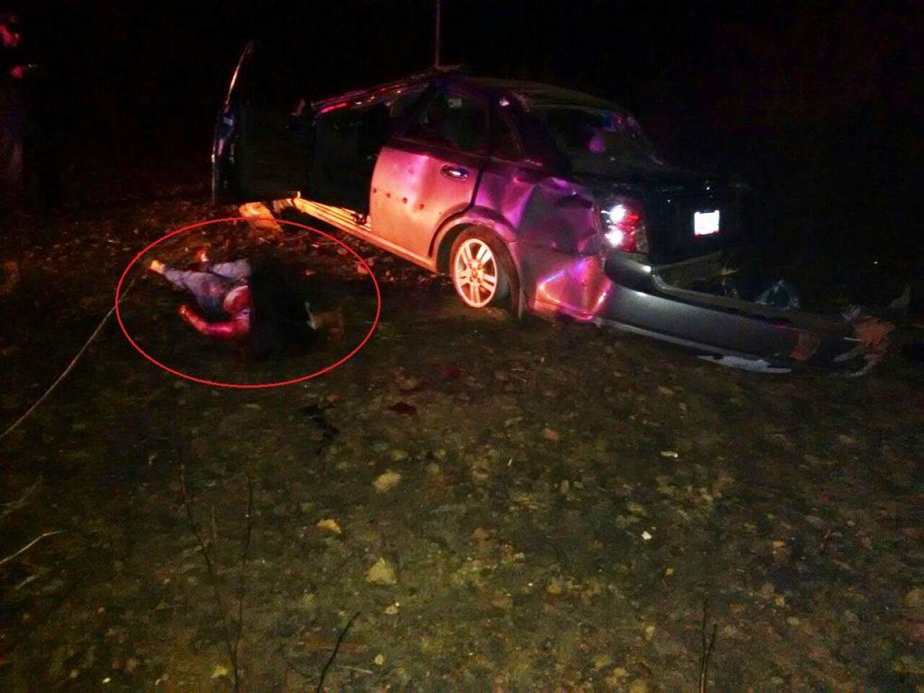 femina muerta al volcar vehiculo