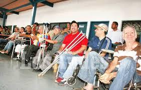 Discapacitados beneficiados con equipos