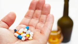 El alcohol disminuye efectividad de medicamentos