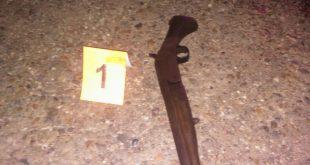 Al hoy occiso le incautaron un arma de fuego, tipo escopeta