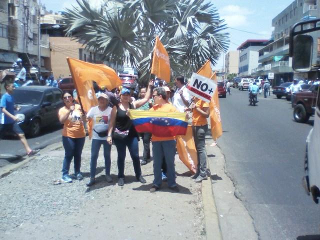 Los simpatizantes del partido Voluntad Popular continuaron con la agitación de calle durante el día sábado