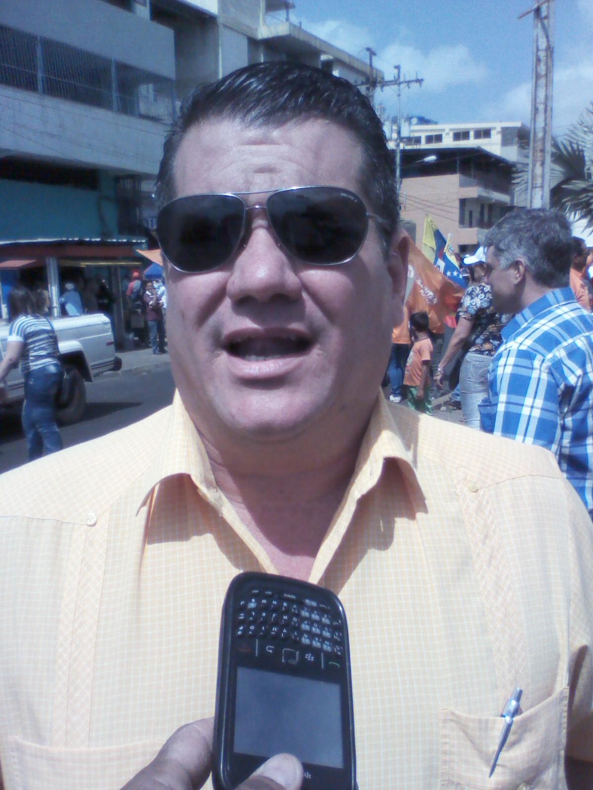 El sindico procurador y militante de Acción Democrática Rade Radulovich expresó que la sentencia del TSJ es un golpe de estado