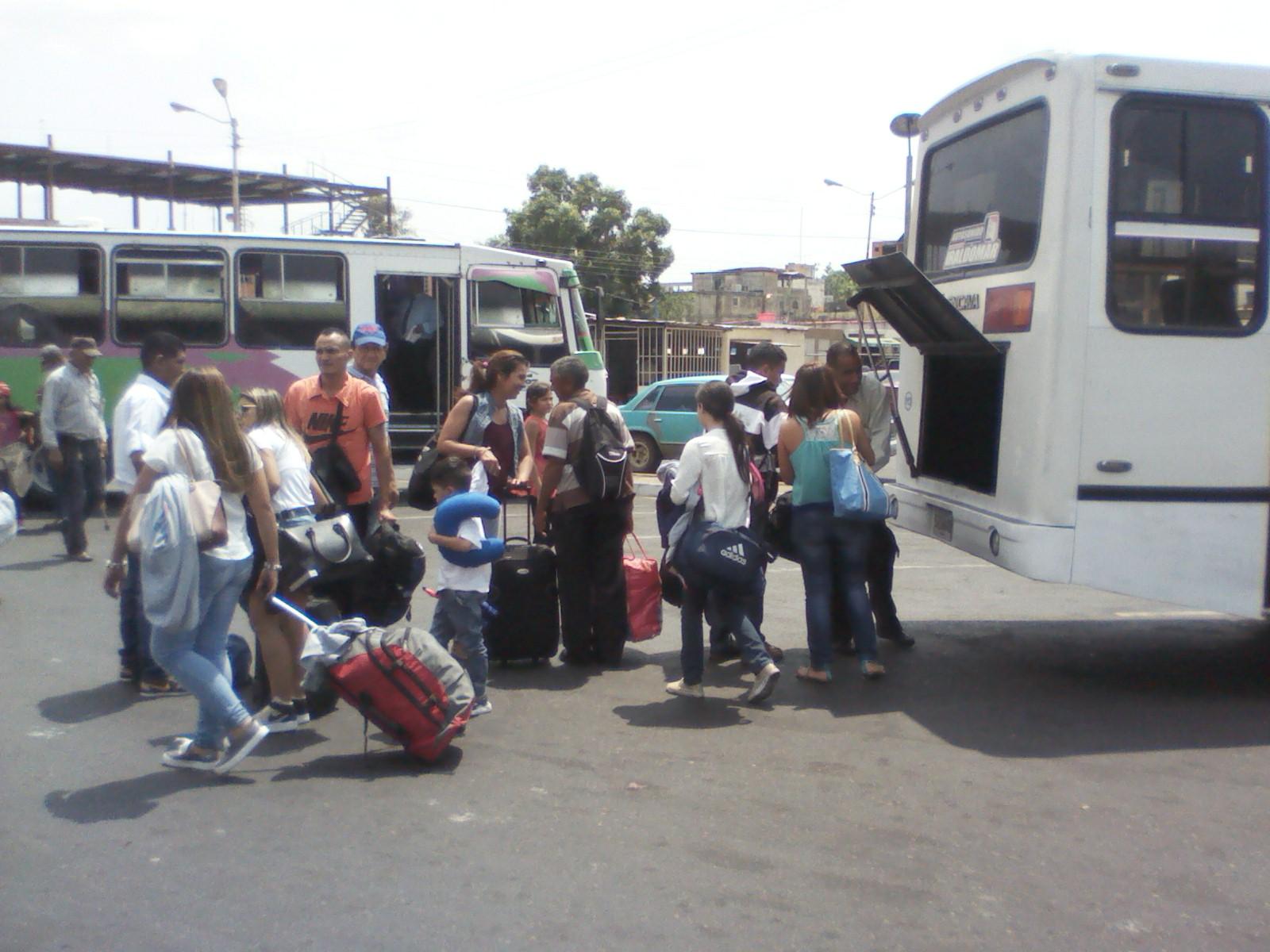 Un total de 3400 temporadistas han salido por la terminal terrestre hacia otros estados del país