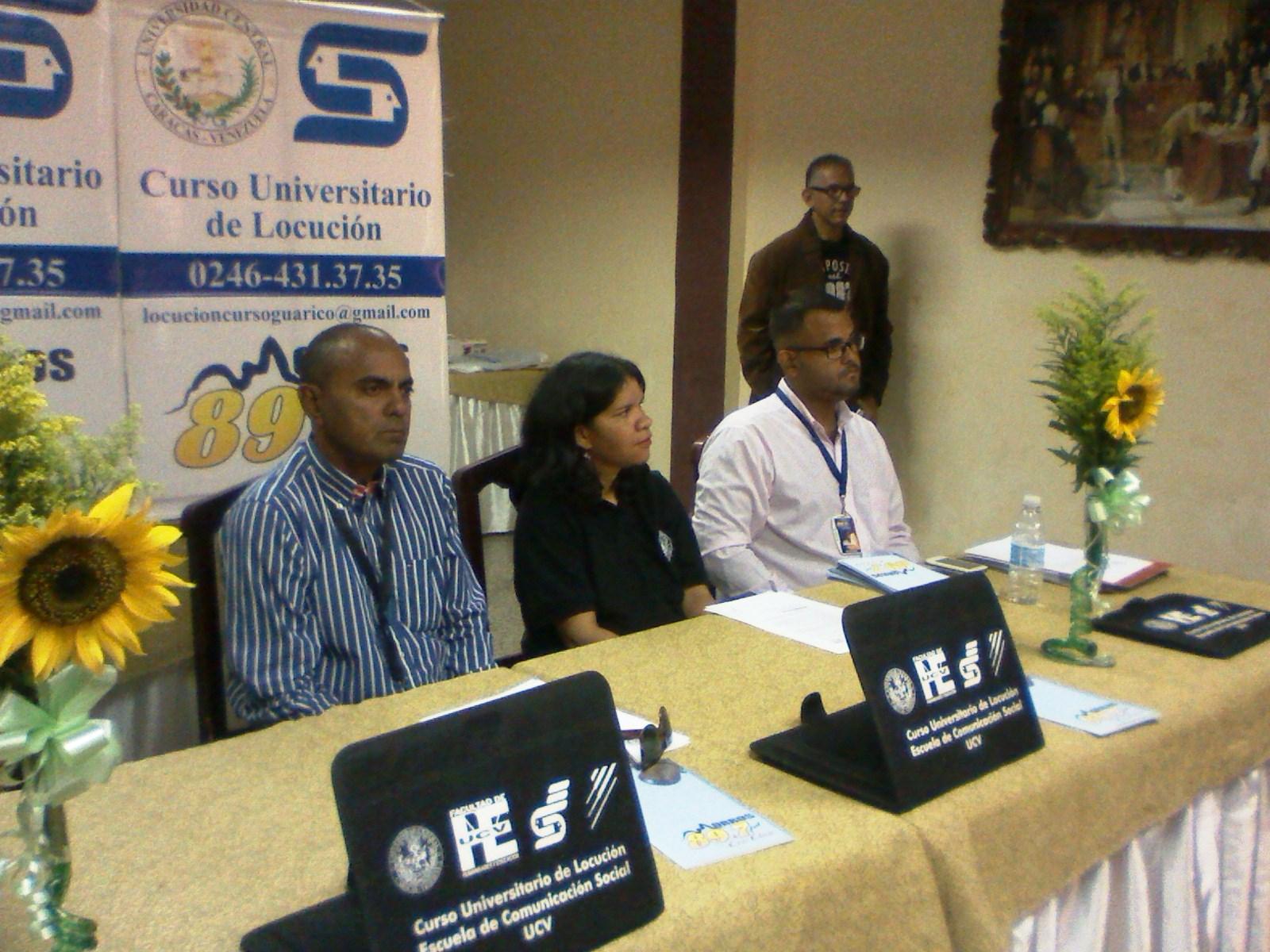 Autoridades de la Universidad Central de Venezuela presidieron el acto de entrega de los certificados