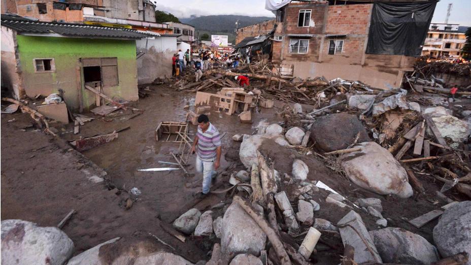 Avalancha en Colombia deja más de
