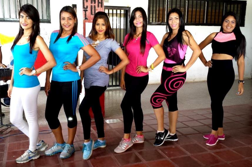 Seis lindas chicas estudiantes de la facultad de enfermería son las candidatas al reinado. Foto José Guerra.
