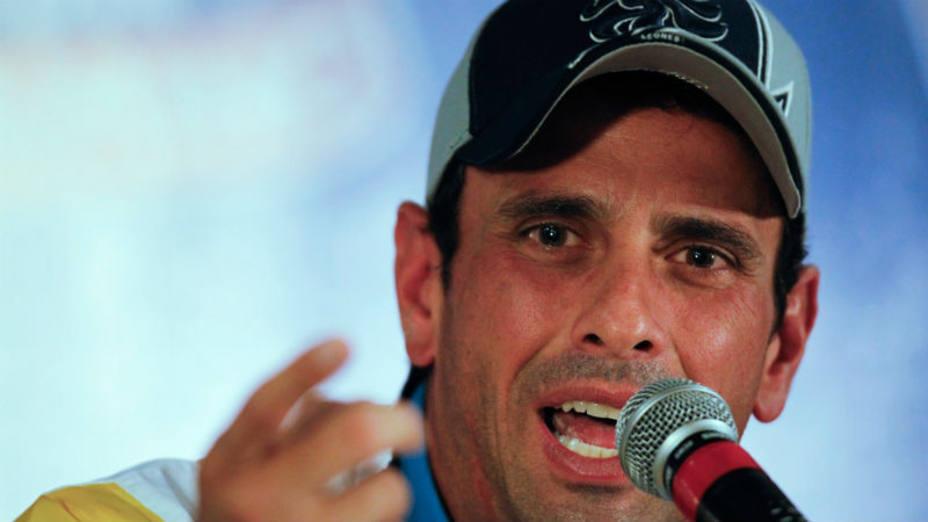 Capriles denuncia que sí hubo reunión de Maduro con la FANB