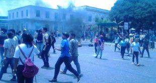 concejal de Voluntad Popular de Apure Rafael Arriaga, informó que presuntos grupos civiles armados amedrentaron a estudiantes de bachillerato en protesta.