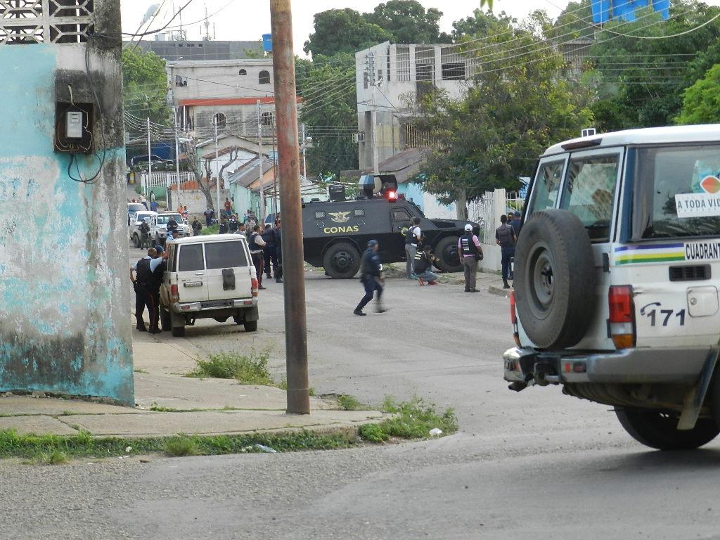 Comandaos tácticos del Conas - Gaes, Poliguárico, PNB y Cicpc actuaron en el procedimiento.