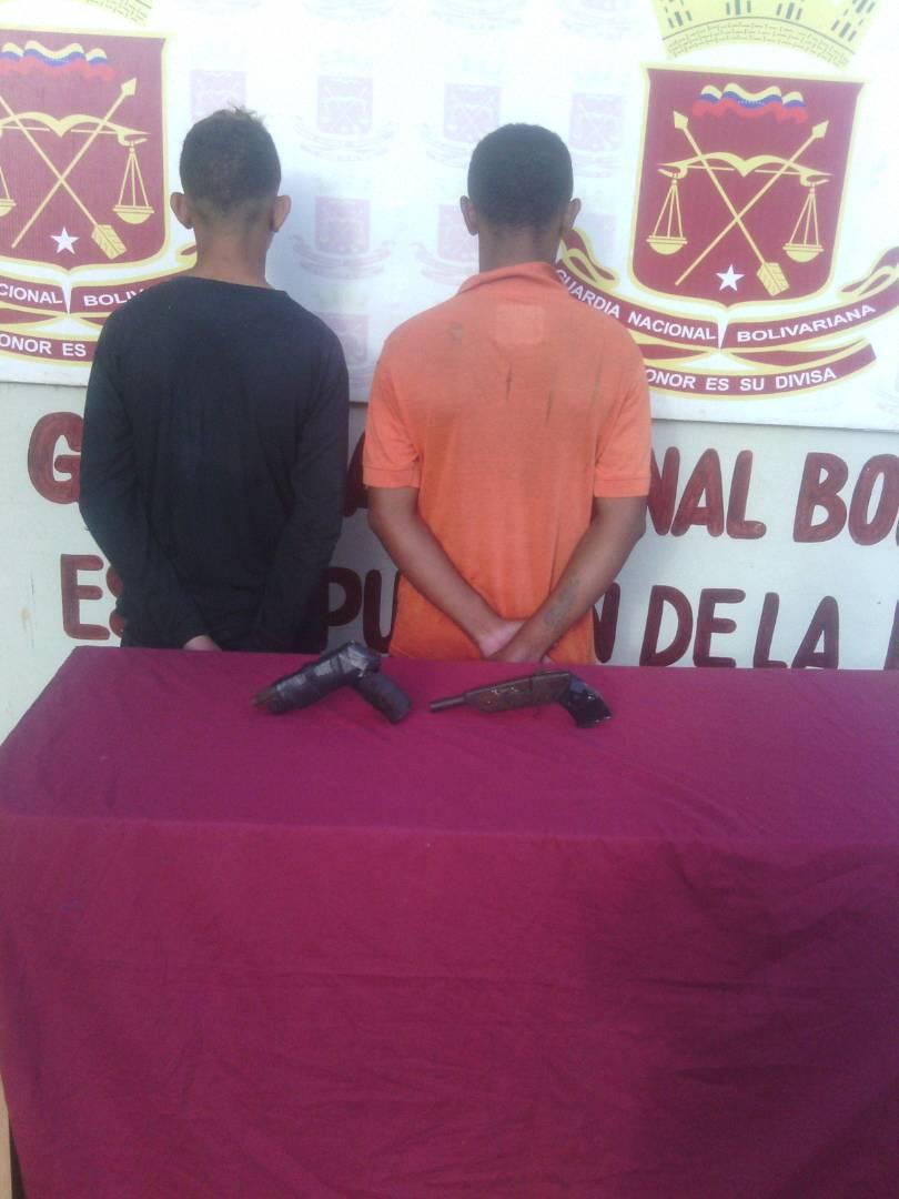 Detenidos portando armas de fuego