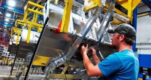 Empresarios admiten que aumentos salariales empeoran la crisis