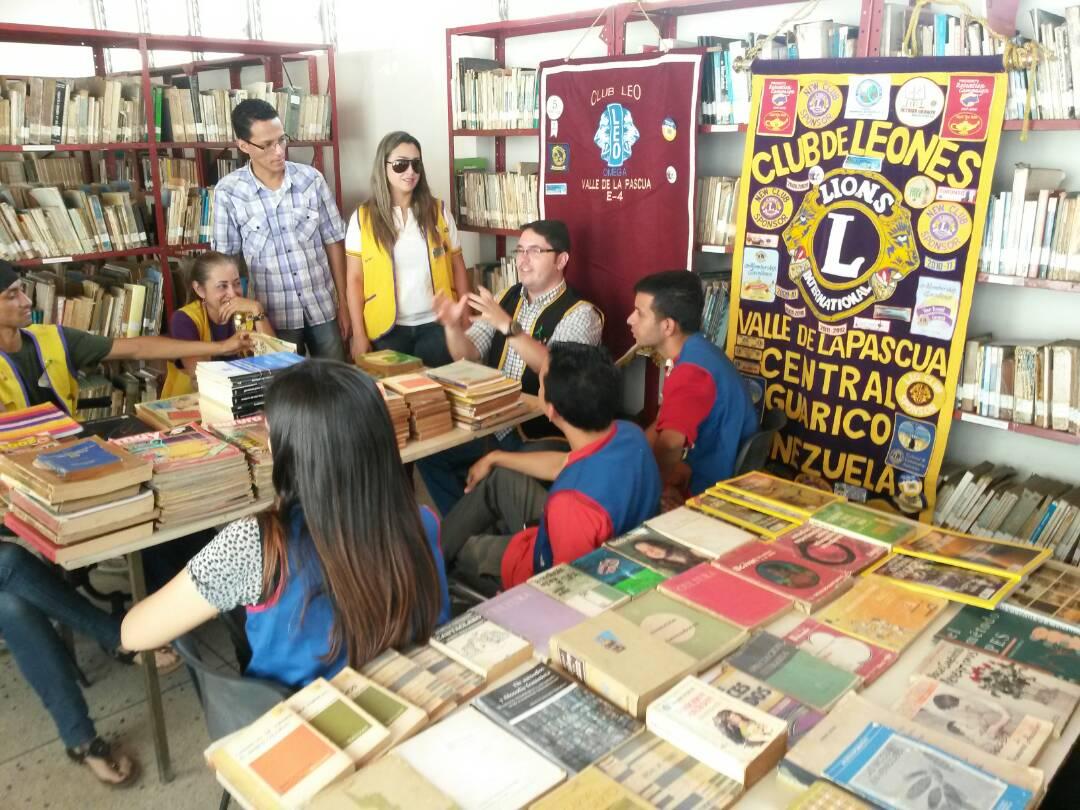 Los socios del Club de Leones realizaron el aporte como parte de la campaña de Lectura en Acción