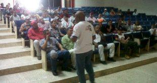 La charla se desarrolló en el auditorio del Iut de los Llanos
