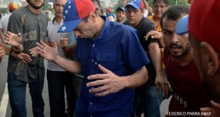 Capriles resultó afectado por gases lacrimógenos