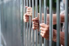 En Sucre 8 jovenes detenidos denuncian maltratos