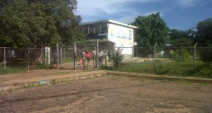 En el centro electoral Juan a Josefa Vargas fue escasa la presencia de votantes
