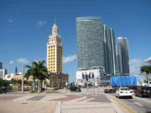 Oasis Azul Escarrá Muñoz, la hija mayor de Hermann, adquirió el 14 de enero de 2015 este lujoso condominio ubicado en el condado de Miami Dade