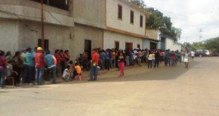 Un total de seiscientas personas del sector Alfallanos son beneficiadas con la entrega de estos alimentos