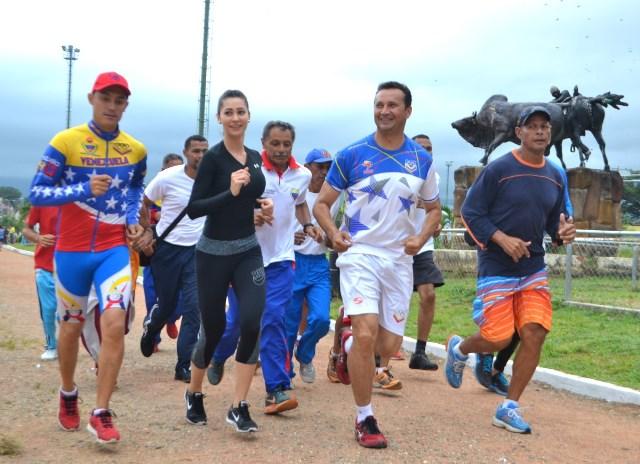 Jose Vasquez junto a la primera dama del estado Guárico Maria Fabiola de Cordova
