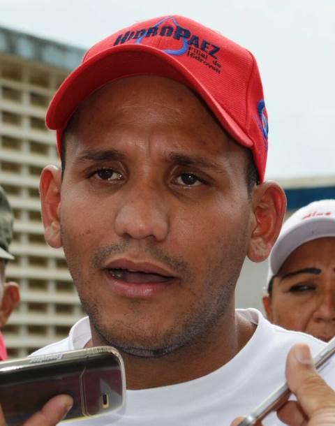 """Daniel Báez presidente de la Hidrológica Páez Estos equipos son adquiridos fuera del país en dólares"""""""