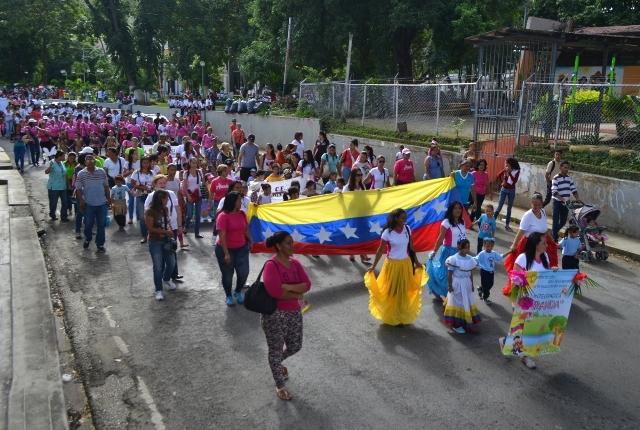 Mas de 60 instituciones de la Educación Inicial desfilaron en el marco de la semana aniversaria