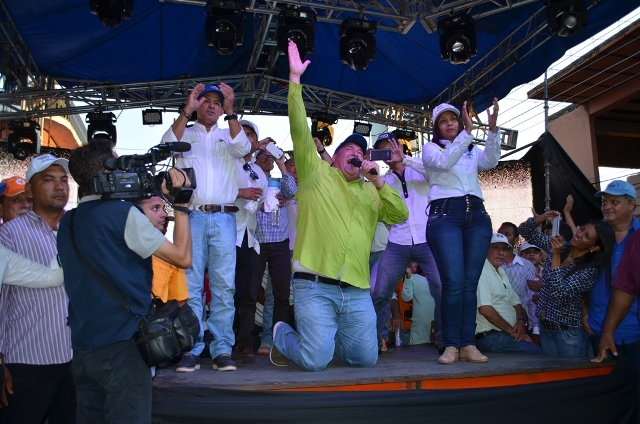 La pasión del candidato Pedro Loreto contagio a la masiva presencia de electores del municipio Miranda
