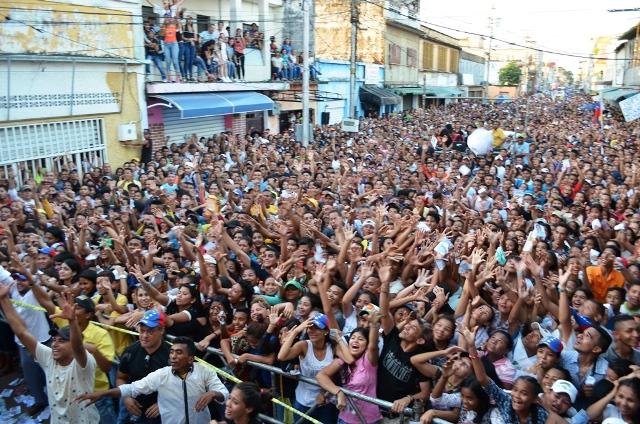 Los calaboceños plenaron la Carrera 12 para apoyar al candidato Pedro Loreto