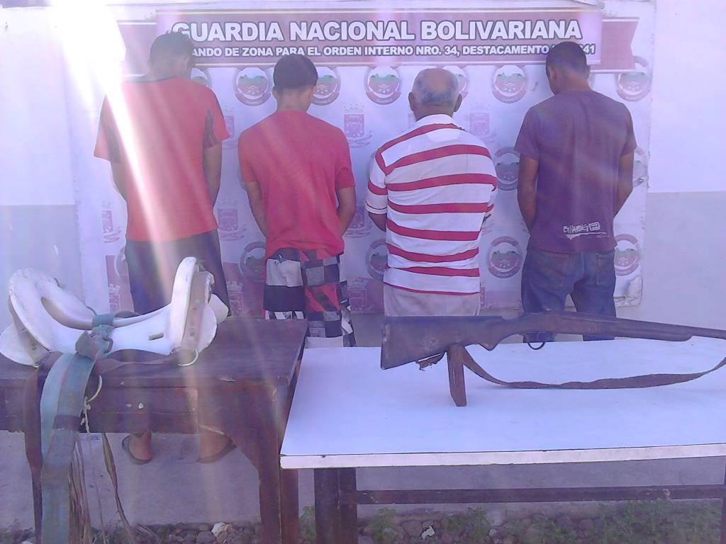 Los detuvieron en flagrancia con carne de res y arma de fuego