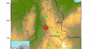 un sismo de 5.7 grados de magnitud se presentó a las 08:35 de la noche de este sábado.