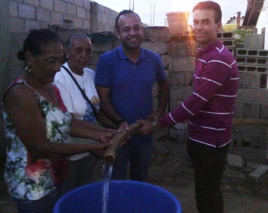 Pablo Alvarado hizo contacto directo con los habitantes de este populoso sector.