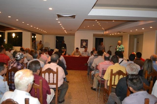 1.El gobernador Vásquez dijo que continuará reuniéndose casa 15 días con los integrantes de este sector de la economía regional