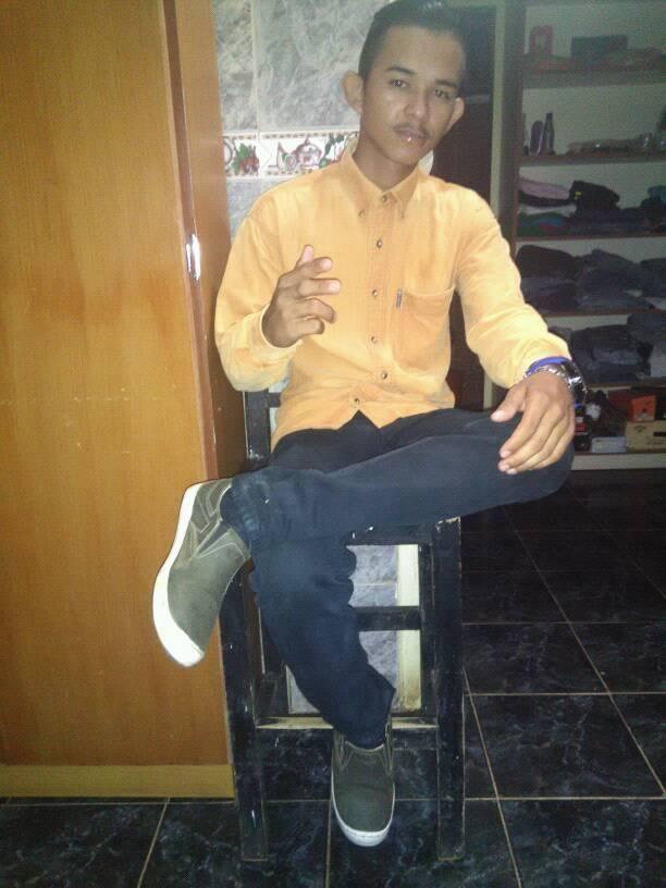 Carlos Javier Cedeño de 18 Años