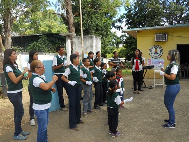 """Coro de Manos Blancas de la Escuela Bolivariana """"Audición y Lenguaje"""""""