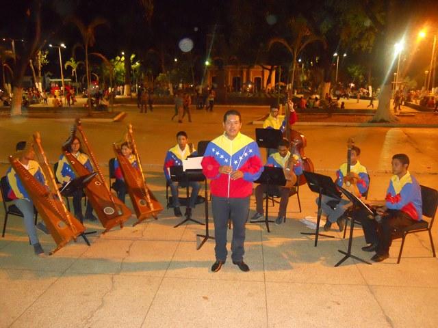 El maestro Luis Herrera, director de la Orquesta Regional Alma Llanera se dirigió a los presentes
