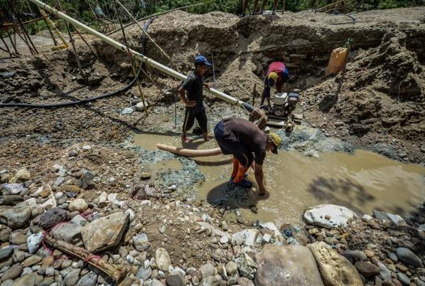 Cuatro mineros murieron en un yacimiento ilegal de oro en el municipio El Callao